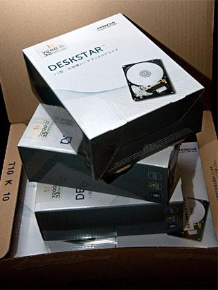 日立のHDD「HGST Deskstar パッケージ版 3.5inch 1TB 32MB 7200rpm」買いました