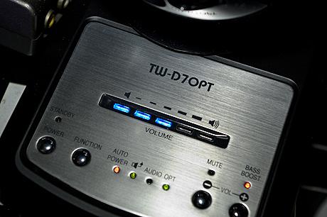 薄型TV用スピーカー「Olasonic TW-D7OPT(B)」は地デジとセットで揃えて欲しいスピーカー!