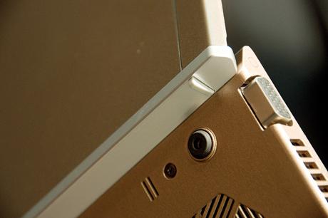 緻密な設計とデザインで軽さと強さを両立!史上最強の「新VAIO Z」(Z21-その2)