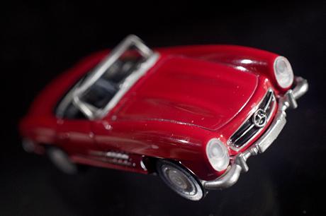 缶コーヒーGEORGIAで「メルセデスのダイキャストオープンカー」