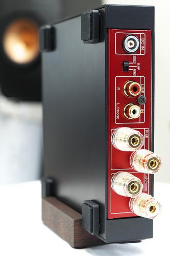 ステレオパワーアンプ「Olasonic NANO-A1」登場。NANOCOMPOブラックモデルも出たなり!