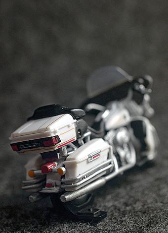 缶コーヒーGEORGIAで「メルセデスのダイキャストオープンカー」ゲット